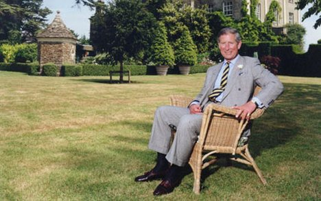 Famous people in wicker and rattan furniture i quiz by for Furniture quiz questions